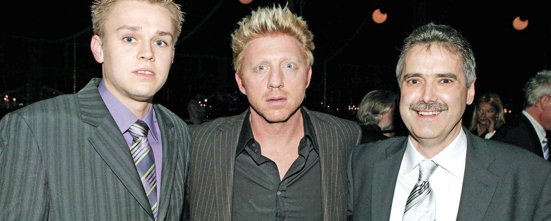 """Tennis-Legende Boris Becker begrüßte Sport-Chef Franz-Josef Schlömer (rechts) und OV-Redakteur Volker Kläne (links) zur Gala """"Laureus Medien Preis 2005"""""""