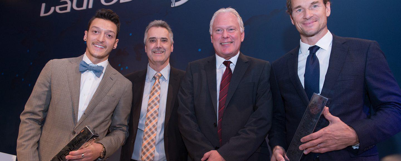 OV-Sportler zwischen den Laureus-Preisträgern: Von links Mesut Özil, Franz-Josef Schlömer, Andreas Hausfeld und Jens Lehmann. Foto: Kokenge