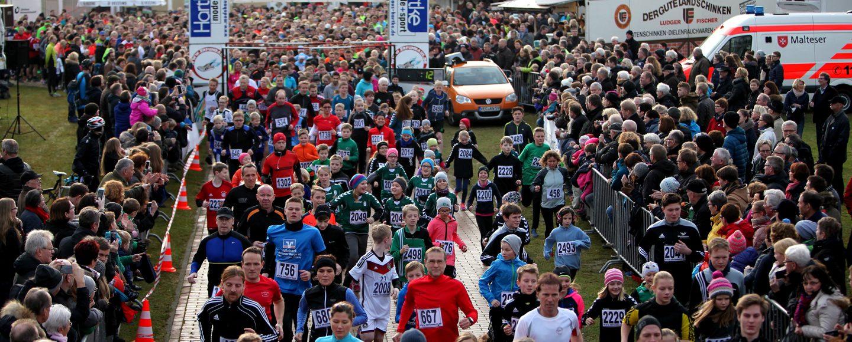 Das Highlight zum Jahresfinale: Der Silvesterlauf in Mühlen lockt rund 1000 Aktive an.